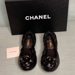 Chanel Leather Ballet Flats w/ signature Camellia